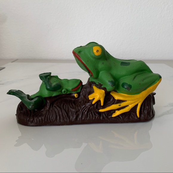 Vintage Cast-Iron Mechanical Frogs Coin Bank